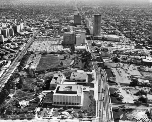 Aerial view of the Miracle Mile and Hancock Park, 1965. Prominent structures seen, left to right, Park La Brea, LACMA, Prudential Building and the California Federal Plaza Building (right of center). (Herald-Examiner Collection; Los Angeles Public Library)