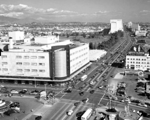 The western gateway to the Miracle Mile. An aerial view to the east along Wilshire Boulevard at Fairfax Avenue, circa 1950. (Water and Power Associates)