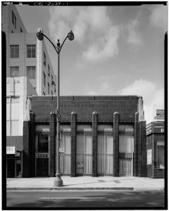 Security First National Bank building, 5207-5209 Wilshire Boulevard, circa 1970s. (Library of Congress)