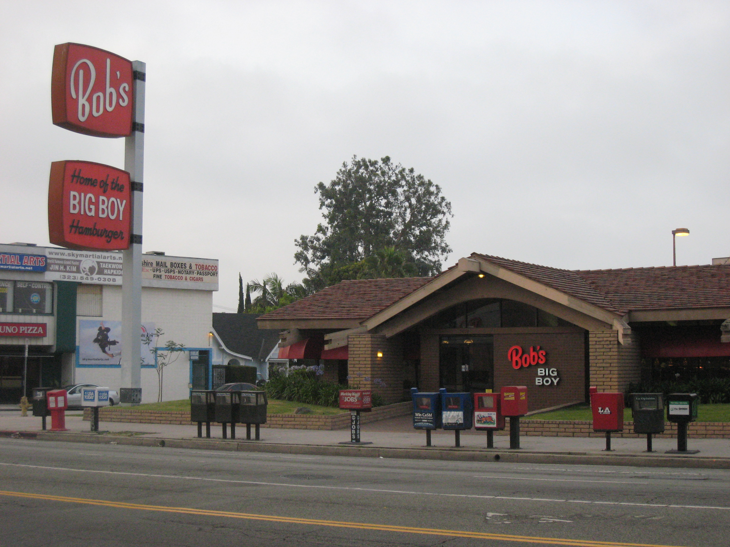 Bob s big boy wilshire circa 2000 miracle mile for Big bob s carpet