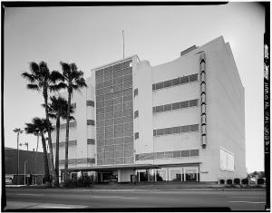 "The Broadway (originally Coulter's) Department Store, 5600 Wilshire Boulevard. By the time of this photograph (circa 1970s) the original facade of the streamline moderne structure had been obliterated in a misguided attempt to ""update"" the building. (Library of Congress; Call Number: HABS CAL,19-LOSAN,32--1)"
