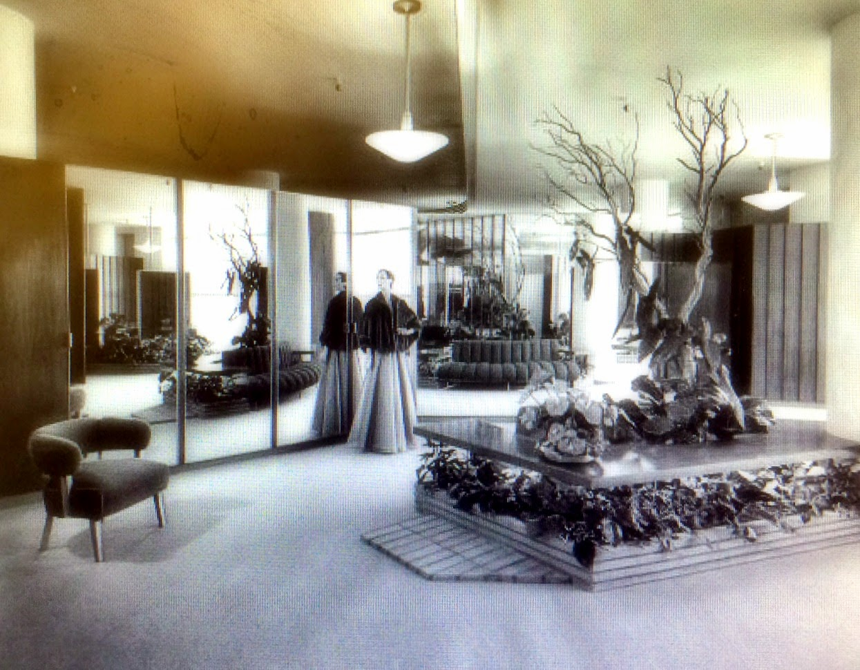 Coulter\'s fur salon, undated | Miracle Mile Residential Association