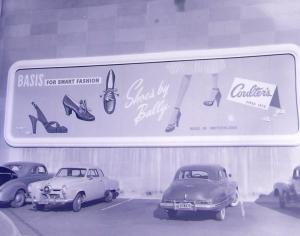 Another view of Coulter's parking lot billboard sign, circa 1950. (Noirish Los Angeles; Skyscraperpage.com)