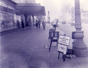 Coulter's Wilshire entrance, circa 1950. (Noirish Los Angeles; Skyscraperpage.com)
