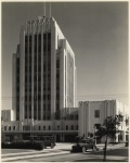 View from across Cloverdale Avenue of the rear of the Dominguez Wilshire building, circa 1931. (Mott-Merge Collection; California State Library.)