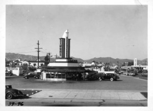 Another view of Simon's Drive In Cafe; photogragh dated 1939. Note on the far left the May Co. gas station located on the southeast corner of Fairfax Avenue and 6th Street. (Automobile Club of Southern California collection, 1892-1963; USC Digital Library)