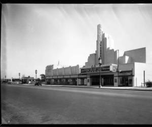 Another view of the 4 Star Theatre, circa 1932. (Dick Whittington Studio; Huntington Digital Library.)