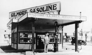 Another view of the Gilmore gas station at Wilshire and La Brea, circa 1928. The gas station was demolished in 1929 to make way for the construction of the E. Clem Wilson Building.