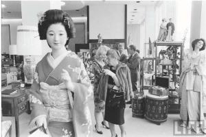 Interior view of shoppers at Seibu Department Store, 1962. The store never turned a profit and  closed in 1964. (Time Magazine)