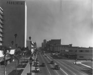 "Looking east along Wilshire Boulevard with the Prudential Building (now known as SAG-AFTRA Square) on the left. (""Dick"" Whittington Photography Collection, 1924-1987; USC Digital Library)"