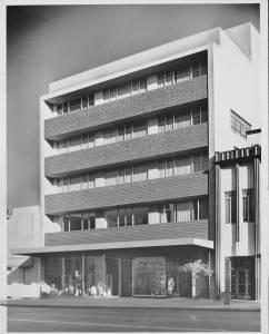 Marfay Building, 5657 Wilshire Boulevard, 1955. It was built in 1949 by Welton Becket and Walter Wurdeman, who had their architectural offices at this location. The bottom floor had a variety of businesses over the years, including a famed jewelry store, Donavan and Seamans, etc. (Photographer: Julius Schulman; Los Angeles Examiner Collection, 1920-1961; USC Digital Library.)