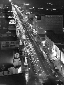 Miracle Mile, Christmas, 1948. (Los Angeles Conservancy)