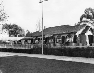 Musso's Restaurant, 6300 Wilshire, circa 1930. The established was owned by John Musso who partnered with Frank Toulet in 1923 to create the famous Hollywood eatery Musso's & Frank.