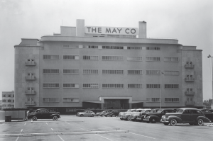 Northern facade of the original May Company building, 1941. In 1946 a new addition was constructed on this side of the building.