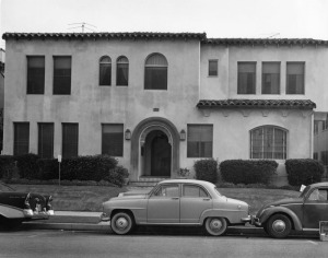 Apartment building at 636 South Dunsmuir Avenue, November 23, 1962.