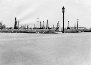 View of an oil field at the northeast corner of Wilshire and Curson. Photograph 1930. (Security Pacific National Bank Collection; Los Angeles Public Library.)