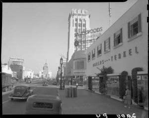 Looking east along Wilshire Boulevard at Phelps Terkel store, circa 1949; UCLA Colleciton.
