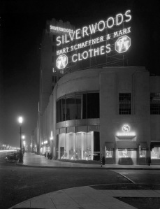 Looking east at the Silverwood's sign at night, circa 1930. Silvewood's was located on the southeast corner of Wilshire Boulevard and  Burnside in the Desmond's building. (Courtesy of Water and Power Associates)