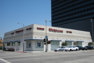 Contemporary view of Walgreen's Drug Store which occupies the former location of the White Spot Cafe and later the Zachary All men's clothing store. (juliewolfson306; Flicker)