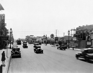Looking west along Wilshire Boulevard at La Brea Avenue, circa 1929. The Ritz Theatre is on the left; on the right the Security First National Bank (the first Art Deco structure on the Miracle Mile) is under construction. (Security Pacific National Bank Collection; Los Angeles Public Library)