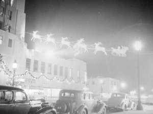 Wilshire Tower (aka Desmond' Building) decorated for Christmas, circa 1937. Designed by architect Gilbert Stanley Underwood and built in 1929, the Zig- Zag Moderne style Desmond's/Wilshire Tower, which spans the addresses on Wilshire Boulevard from 5500-5522, and was declared City of Los Angeles Historic-Cultural Monument #332 in 1987. (Herman J. Schultheis Collection; Los Angeles Public Library)